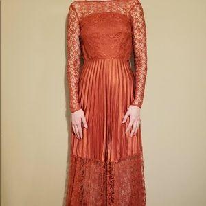 New lace long sleeve pleated maxi dress elegant Xs